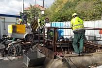 Oprava kanalizační stoky, která se propadla na Vysočanské ulici