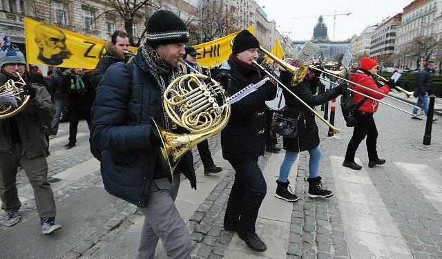 Zastánci monarchie uspořádali v centru Prahy tradiční Tříkrálový pochod.