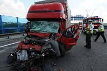 Při nehodě na Pražském okruhu zemřela žena.