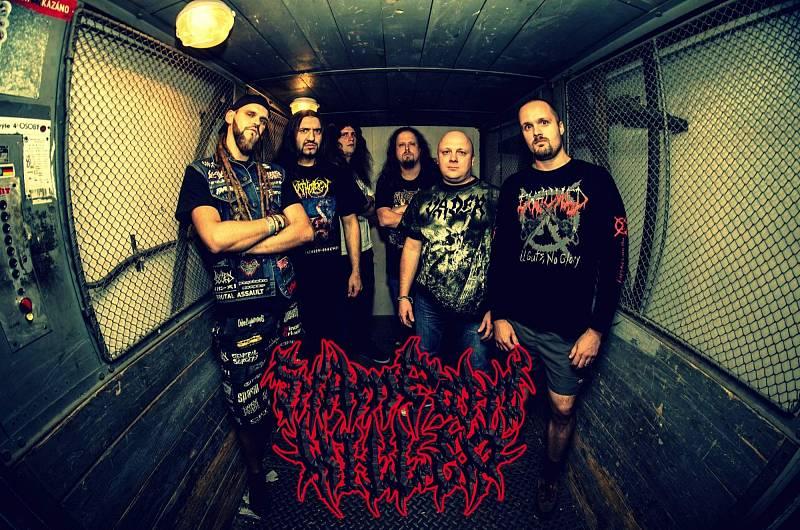 Metalová kapela Shampoon Killer v pátek večer pořádá další pokračování akce Grind Shampoons Down.