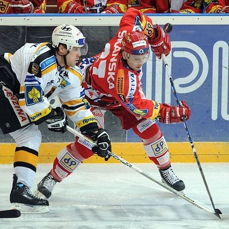 Den D pro Slavii. Obhájci mistrovského titulu se představí na domácím ledě v O2 Areně dvakrát v řadě. Na snímku zápas s Litvínovem.