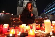 Oslava sametové revoluce, boje za svobodu a demokracii v Praze 17. listopadu. Václavské náměstí