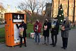 Starostka Prahy 2 Jana Černochová 30. listopadu 2020 slavnostně zahájila charitativní sbírku pro opuštěná zvířata.