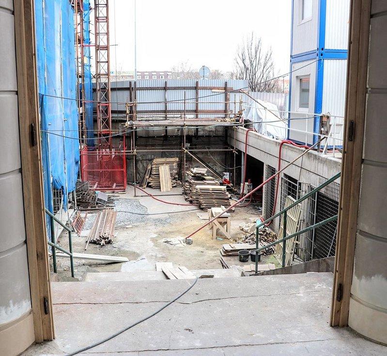 Správa železnic zveřejnila zajímavé obrázky z probíhající rekonstrukce Fantovy budovy na pražském hlavním nádraží.