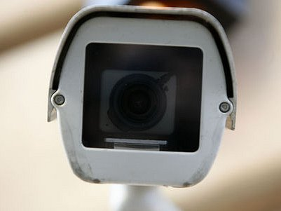 METROPOLE POD DOHLEDEM. Díky stovkám kamer může být každý v ulicích Prahy skoro neustále sledován. Za bezpečnost tak platíme čím dál větší ztrátou soukromí./Ilustrační foto