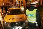Policisté dohlížejí na pořádek při oslavách Silvestra