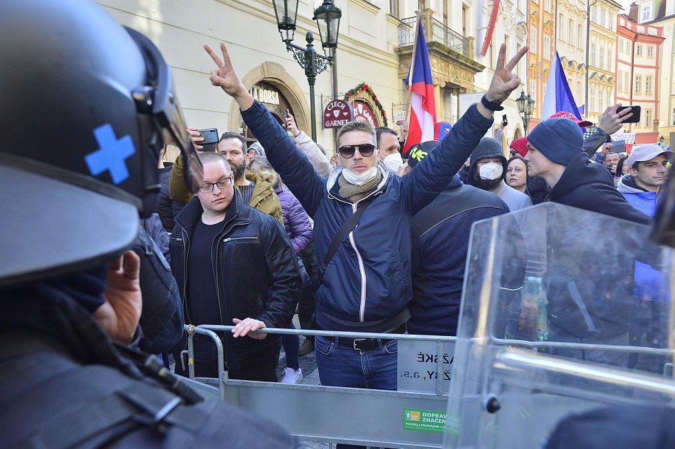 Na Staroměstské náměstí svolala iniciativa Chcípl PES 7. března 2021 demonstraci.