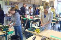 Zahradníci se nedávno vrátili až z dalekého Finska. Ve škole v Jämsä 14 dní vázali květiny a čerpali cenné zkušenosti během sklizně zeleniny.