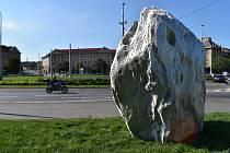 Meteorit na Vítězném náměstí.