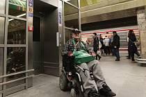 Ve stanici metra Můstek byla v úterý 1. března 2016 slavnostně zprovozněna dvojice bezbariérových výtahů.