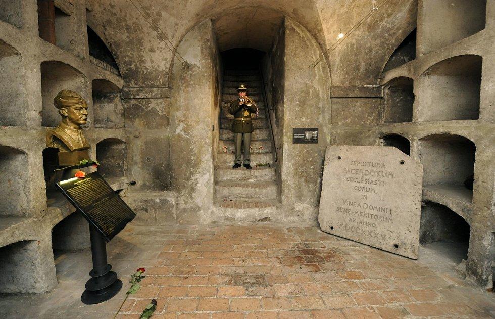 Krypta parašutistů, kteří spáchali atentát na zastupujícího říšského protektora Heydricha.