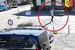 Loupež a vydíraní v Pražské tržnici. Policie hledá další poškozené a případné svědky tohoto incidentu.