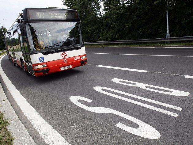 Jízdní pruh pro autobusy MHD