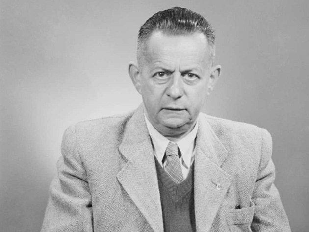 Sportovní redaktor Josef Laufer.