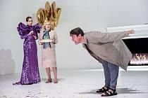 Herci Zuzana Stivínová, Lucie Juřičková a Saša Rašilov se představí v inscenaci hry Thomase Bernharda Oběd u Wittgensteina. Premiéry se uskuteční 7. a 8. listopadu 2019 v pražském Stavovském divadle.