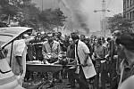 Odvoz raněného, 21. srpen 1968.