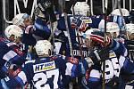 Čtvrtfinále play off hokejové extraligy - 2. zápas: HC Sparta Praha - HC Kometa Brno v Praze. Hráči Brna se radují z vítězství.