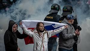 Protivládní demonstrace v Praze