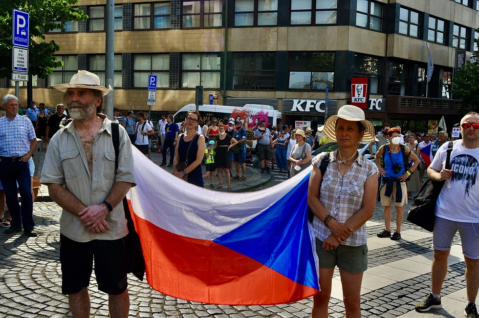 Organizace Milion chvilek pro demokracii pořádala na Václavském náměstí demonstraci.