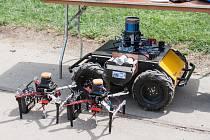 Roboti z ČVUT dobývají svět na soutěži DARPA nazvané UrbanCircuit ve zlatých dolech v USA.