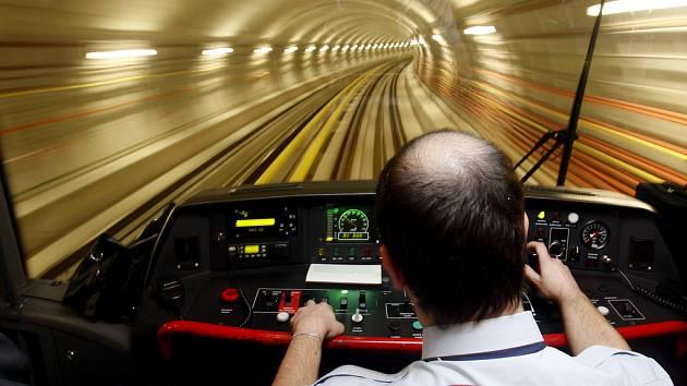PŘÍŠTÍ ZASTÁVKA... KDO VÍ? Plány na rozšíření sítě pražského metra jsou, teď jen najít peníze.