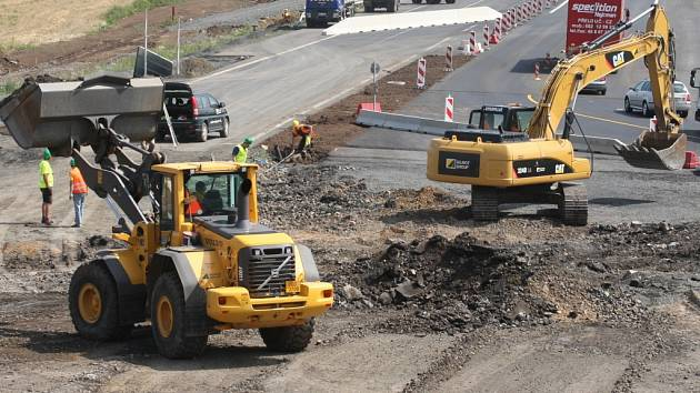 Stavba silnice. Ilustrační foto.