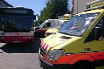 V Letňanech došlo k nehodě autobusu a dodávky.