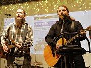 Zpívání koled v Chotilsku.