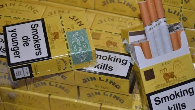 Zabavené cigarety bez kolků.