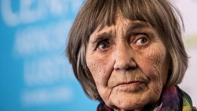 Dana Němcová, mluvčí Charty 77, byla 25. dubna v Praze představena jako laureátka letošní Ceny Arnošta Lustiga.
