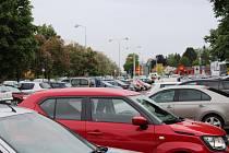 Sídliště Zachar je jedno z nejhorších míst pro parkování v Kroměříži.