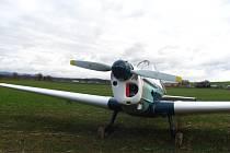 Pilot s ultralightem musel nouzově přistát v poli nedaleko obcí Těšnovice a Trávník na Kroměřízsku.