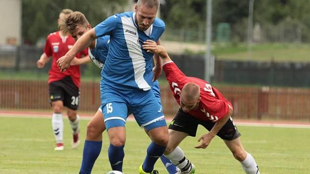 Fotbalisté Hulína (v modrých dresech) na úvod letní přípravy prohráli s polským druholigovým týmem GKS Tychy 1:6.