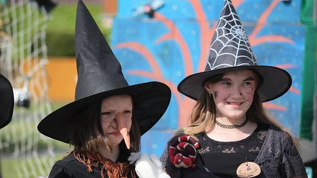 Pálení čarodějnic a stavění májky v Kvasicích