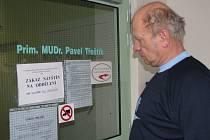 Ačkoliv chřipková epidemie je na Kroměřížsku na ústupu, v okresní nemocnici stále platí zákaz návštěv. Až do odvolání