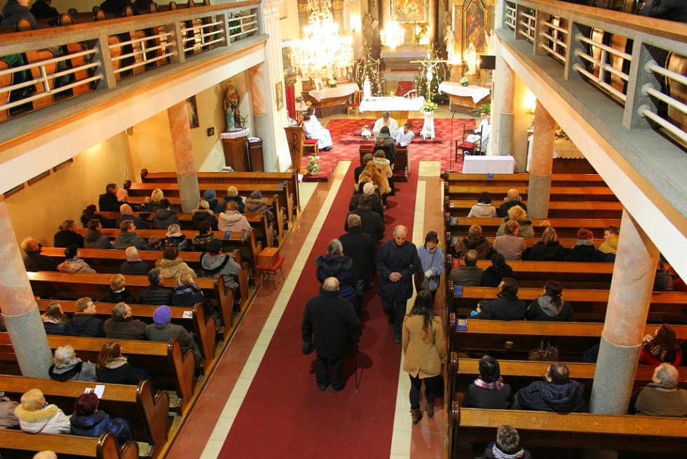 Vánoční mše svatá na Štědrý den 24. prosince 2016 ve Zdounkách.
