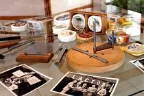 Ve vestibulu kroměřížské radnice je k vidění výstava věnovaná absolventovi dnešní Vyšší odborné školy potravinářské a Střední průmyslové školy mlékárenské Kroměříž Milanu Vyhnálkovi, králi sýrů z Tasmánie.