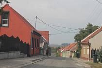 Silnice třetí třídy od Koryčan skrze Chřiby prochází opravou, lidé tu s omezením musí počítat až do 9. října