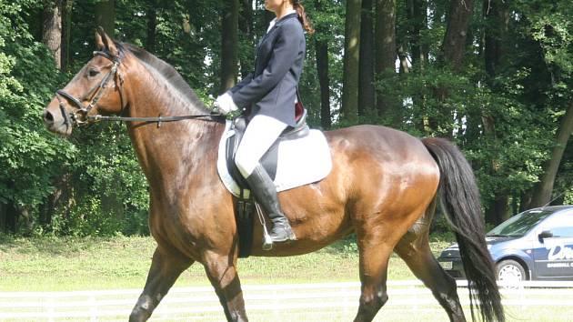 Druhé místo v Holešově obsadila Markéta Maryšková na koni Tara 17.
