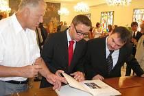 Při příležitosti třetího ročníku Dožínek Zlínského kraje konaných v Kroměříži přijeli do města i zástupci družebních měst.