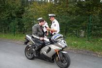 Policisté z Kroměříže a Morkovic se o víkendu zaměřili na kontrolu motorkářů v Buchlovských horách.