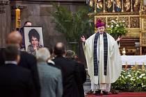 Requiem za nedávno zesnulou profesorku Danuši Táborskou.