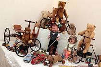 Výstava hraček na zámku v Holešově.