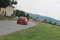 Kvůli stavbě kruhového objezdu musí řidiči počítat se zdržením: křižovatka ulic 6. května a Palackého bude až do září řízena semaforem.