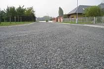 Obec Loukov opravila všechny své místní cesty. Stále ale čeká, co bude s komunikacemi, které vlastní kraj.