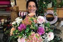KVĚTINÁŘKA A ARANŽÉRKA VLAĎKA ZEZULOVÁ. Podle ní jsou všechny kytky krásné a každá má své kouzlo.