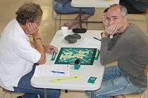 V Kroměříži se v sobotu konal kvalifikační turnaj na MČR ve scrabblu. V sále místní Sokolovny se k hracím deskám se posadilo dvaačtyřicet hráčů.