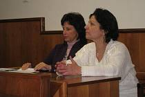 Lenka Kupcová stanula před kroměřížským okresním soudem. Obžalovaná z toho, že jako pěstounka týrala svěřené děti ve chvalčovské SOS vesničce.
