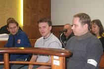 Znásilnění má na svědomí Martin Šulc (na snímku uprostřed), Montag se účastnil pouze krádeže.