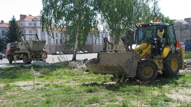 V Kroměříži se začalo s plánovanou přestavbou Hanáckého náměstí.